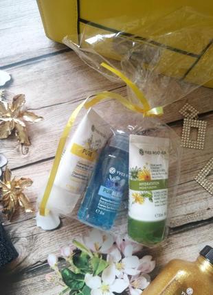 Набор в подарочной упаковке ив роше: крем для лица, крем для рук, с-во для снятия макияжа
