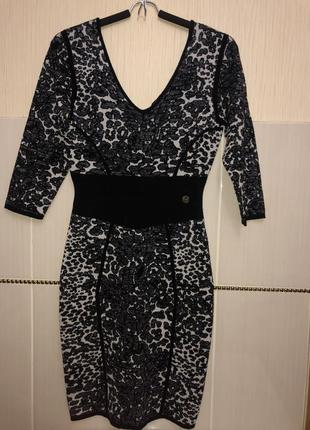 Очень красивое платье guess by marciano
