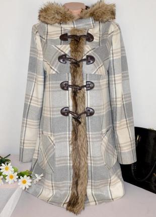 Демисезонное пальто дафлкот с меховым капюшоном и карманами f&f вьетнам этикетка