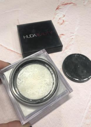 Пудра huda beauty easy bake sugar cookie 20g