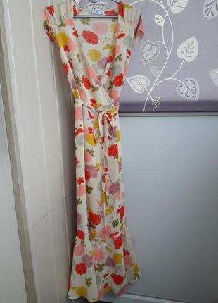 Красивое длинное платье на запах mango.