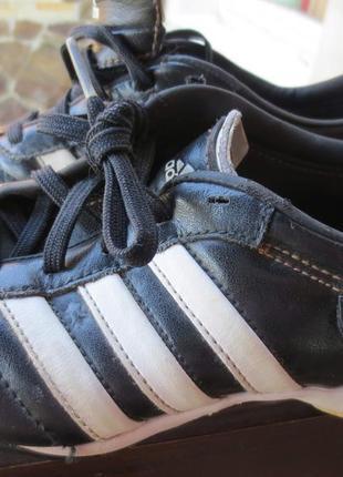 Фирменньіе копачет adidas.