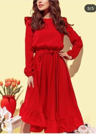 Червоне міді плаття з оборками,в наявності є різні розміри