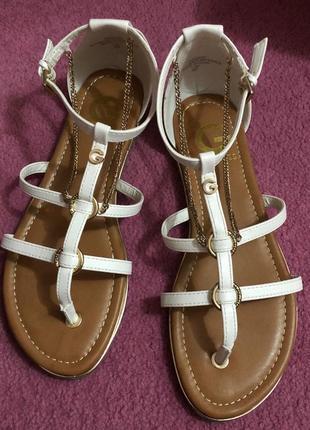 Босоножки сандали guess