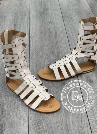 Римские сандалии, босоножки римлянки белые
