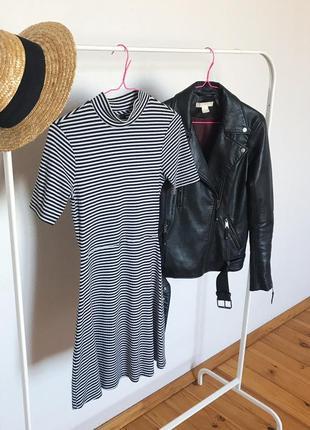 Шикарное платье-футболка а-силуэта в мелкую полоску и рубчик от topshop. р-р s