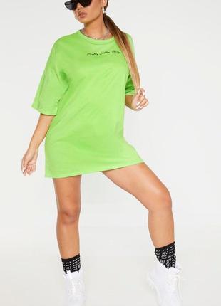 Prettylittlething. товар из англии. платье футболка в лаймовой расцветке.