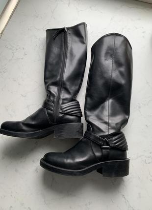 Стильные сапоги в байкерском стиле на удобном каблуке zara, размер 38