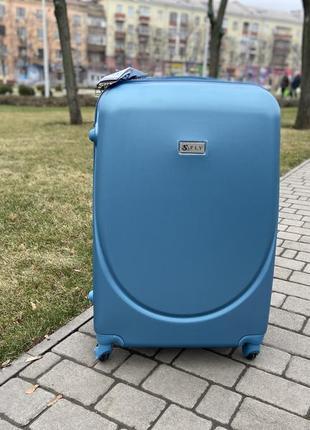 Чемодан,валіза,дорожная сумка на колёсах ,пластиковый польский