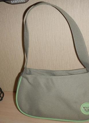 Маленькая сумка quiksilver