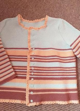 Красивый свитерок вязаный крючком раз.18
