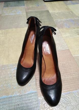 Кожаные туфли италия 41 рр bianco