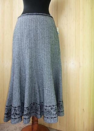 Шерстяная тёплая юбка  колокол с шелковой подкладкой  и вышивкой gerry weber