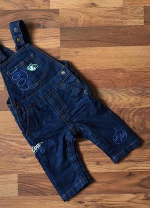 Темно-синий джинсовый комьинезон