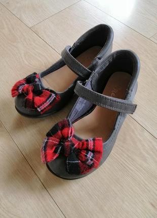 Красивые туфли с бантом next