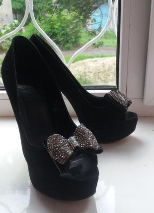 Нарядные босоножки,туфли с открытым носком