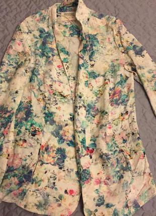 Легкий летний пиджак с цветочным принтом
