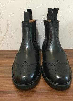 Мужские туфли чесли