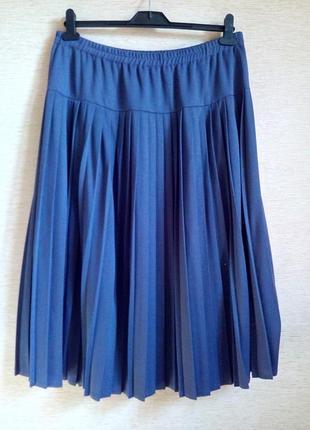 Трикотажная плиссированная юбка на кокетке, на 58/60 размер