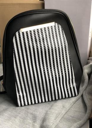 Чёрный новый стильный городской рюкзак