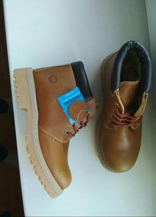 Шикарные деми стильные кожаные ботинки бренда melania