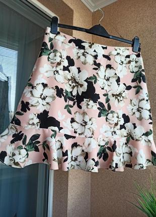 Красивая стильная летняя юбка мини в цветочный принт