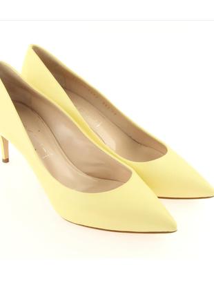 Натур. кожаные светло-желтые лодочки киттен на удобном каблуке