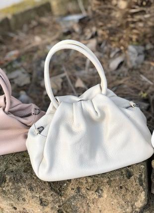 Кожаные сумочки с круглыми ручками borse in pelle италия светлый беж