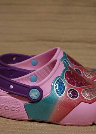 Очень яркие красочные сабо с мигалками crocs iconic comfort  c 13 р.
