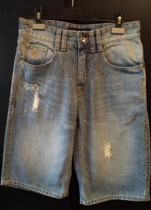 Джинсовые бриджи(шорты) rocawear оригинальные.