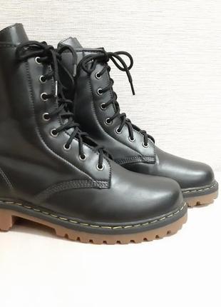 Ботинки,черевики,сапоги в стиле dr.martens
