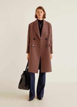 Двубортное пальто в клетку mango premium, бойфренд, оверсайз