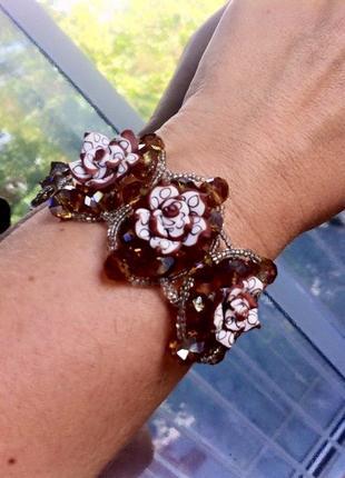Красивый браслет с розами. браслетик. бижутерия. подарок.