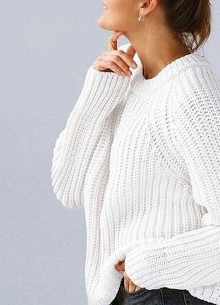 Стильный базовый свитер