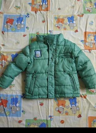Курточка зеленая на мальчика рост 86см