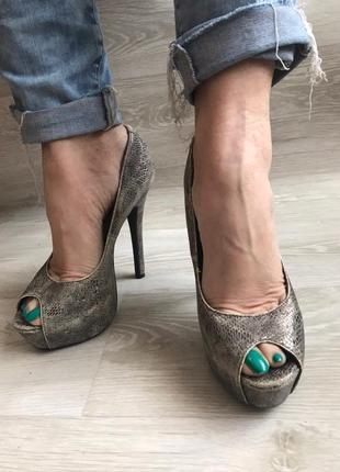 Туфли под змею / туфли new look