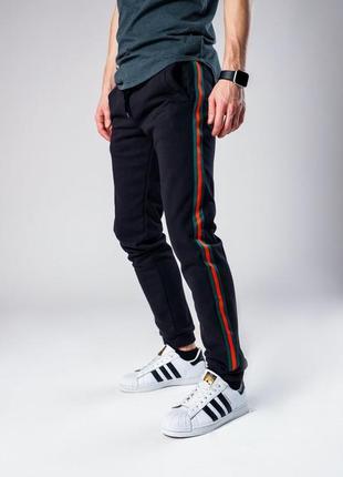 Крутые спортивные брюки