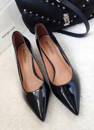 Стильные лаковые лодочки на каблуке kitten heels