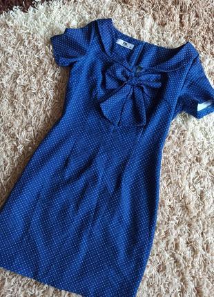 Супер платье в горошек,для худеньких девочек,в носке отличное