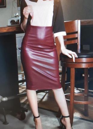 Кожаная юбка givenchy  большой размер