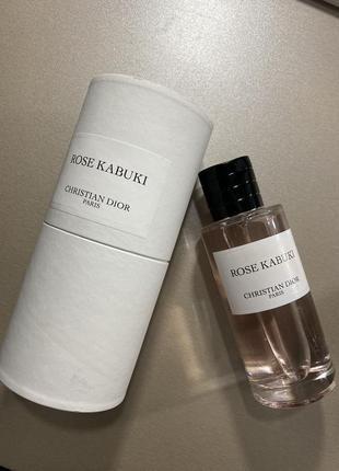 Парфюмированая вода rose kabuki