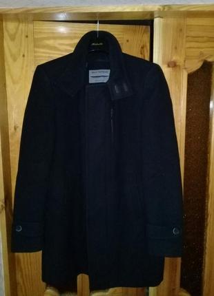 Мужское демисезонное пальто в идеальном состоянии