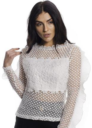 Экстравагантная блуза с кружевами