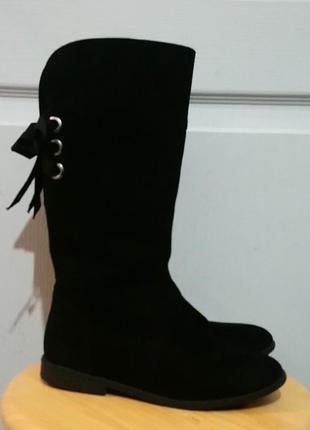 Высокие сапоги под ботфорты для модницы