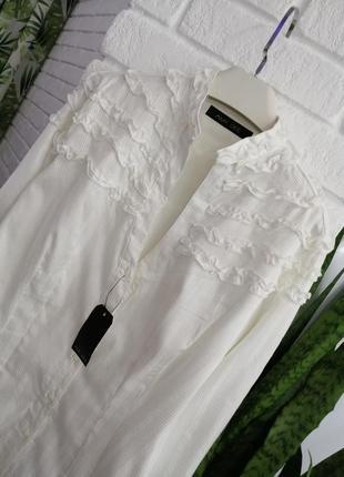 Новая, блузка, рубашка цвет айвори с рюшами, размер м,дорогого  бренда amy gee