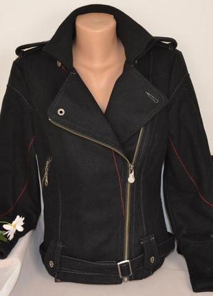 Брендовая черная шерстяная куртка косуха на молнии с поясом и карманами на молнии firetrap