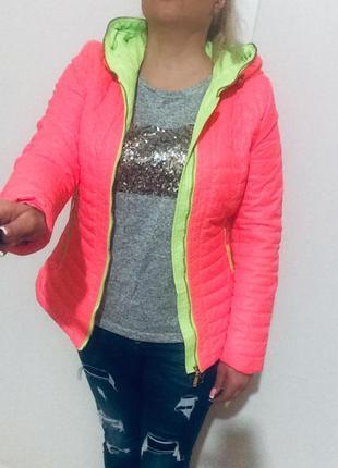Женская яркая куртка курточка демисезонная на синтепоне коралловая с салатовым