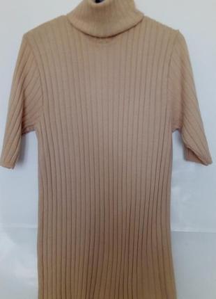Базовый бежевый свитер, гольф в рубчик с короткими рукавами, colori, италия