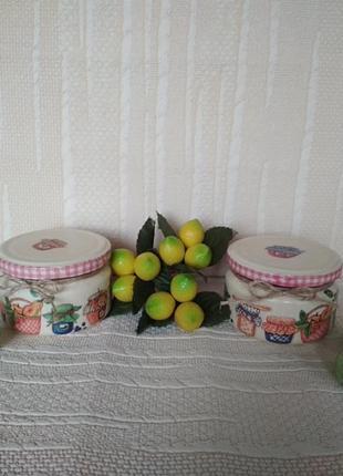 Набор баночек для хранения специй