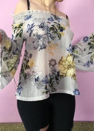 Нежная блуза цветочный принт рукава фонарики на плечи